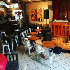 Drink Lounge and Bistro 10