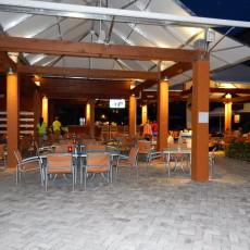 Malmok Bar and Grill 3