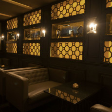 The W Bar 8