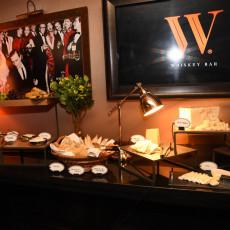 The W Bar 9