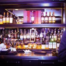 The W Bar 10
