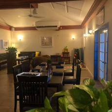 Waterfront Bar & Lounge 3