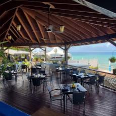 Waterfront Bar & Lounge 5