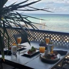 Waterfront Bar & Lounge 7