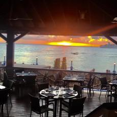 Waterfront Bar & Lounge 10