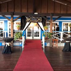 Waterfront Bar & Lounge 12